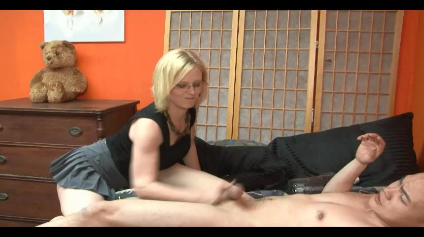 Clayra Beau In Scene: Cuckolding and Ballbusting Domestic Female Domination - BALLBUSTINGPORNSTARS - SD/480p/WMV