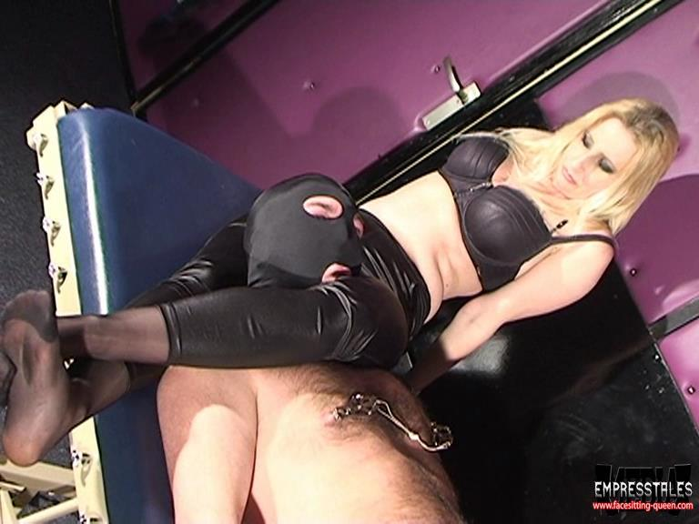 Kelly Kalashnik In Scene: OVERPOWER MY WANKING SLUT - FACESITTING-QUEEN - SD/576p/WMV