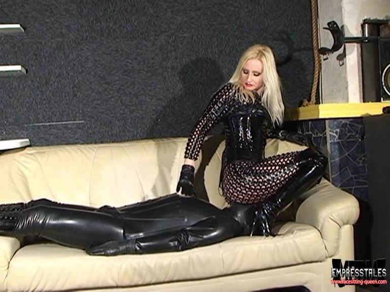 Kelly Kalashnik In Scene: BREATHLESS RUBBER SLUT UNDER MY RUBBER CATSUIT - FACESITTING-QUEEN - SD/576p/WMV