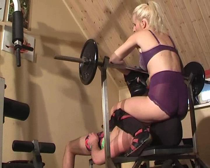 Kelly Kalashnik In Scene: STARE AT MY ASS & SUFFER THE CONSEQUENCES - FACESITTING-QUEEN - SD/576p/WMV