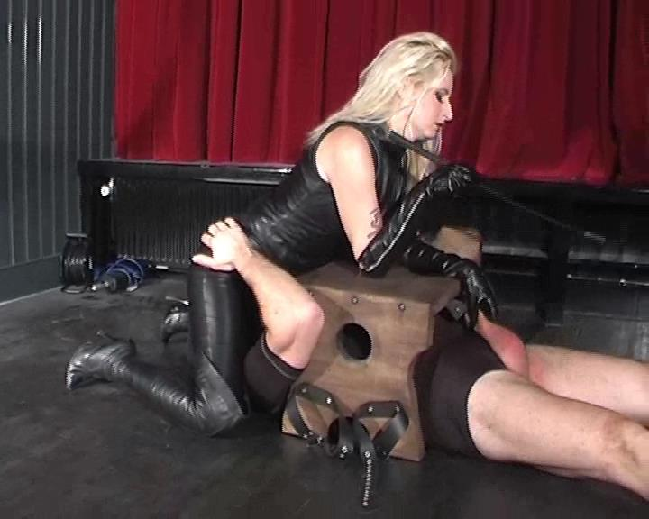 Kelly Kalashnik In Scene: MY LEATHER SLAVE WITH RED BALLS - FACESITTING-QUEEN - SD/576p/WMV