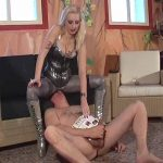 Kelly Kalashnik In Scene: PORNO ADDICT FACE FURNITURE – FACESITTING-QUEEN – SD/576p/WMV
