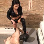 Mistress Soraya In Scene: Under My High Boots – FEMDOMINSIDER – FULL HD/1080p/WMV