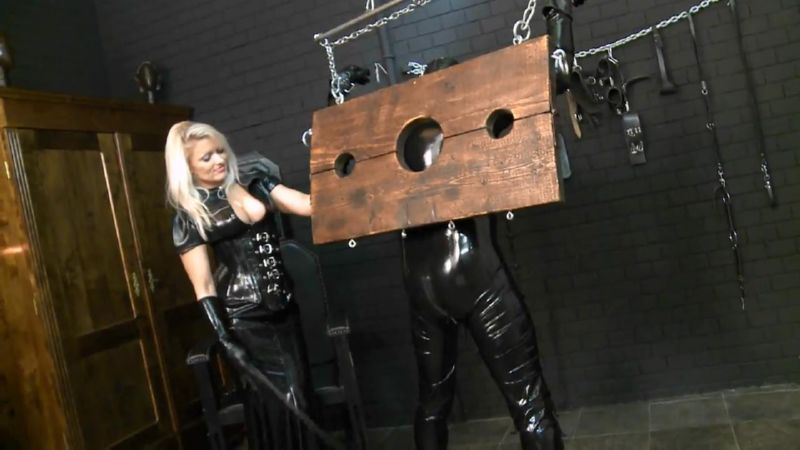 Mistress In Scene: Mature blonde Mistress in sexy latex outfit punishing her latex slave in various ways including nipple clamps and using the single tail on his ass - FEMDOMLOFT - HD/720p/MP4