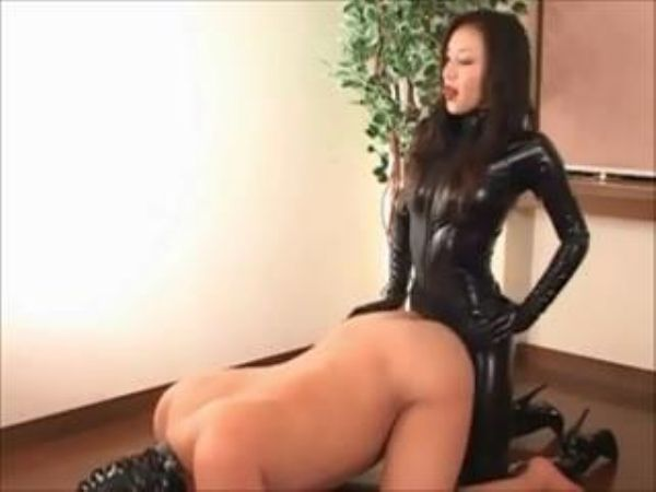 Mistress In Scene: Sexy Japanese domme fucks her slave with her black strapon - FEMDOMLOFT - LQ/240p/MP4