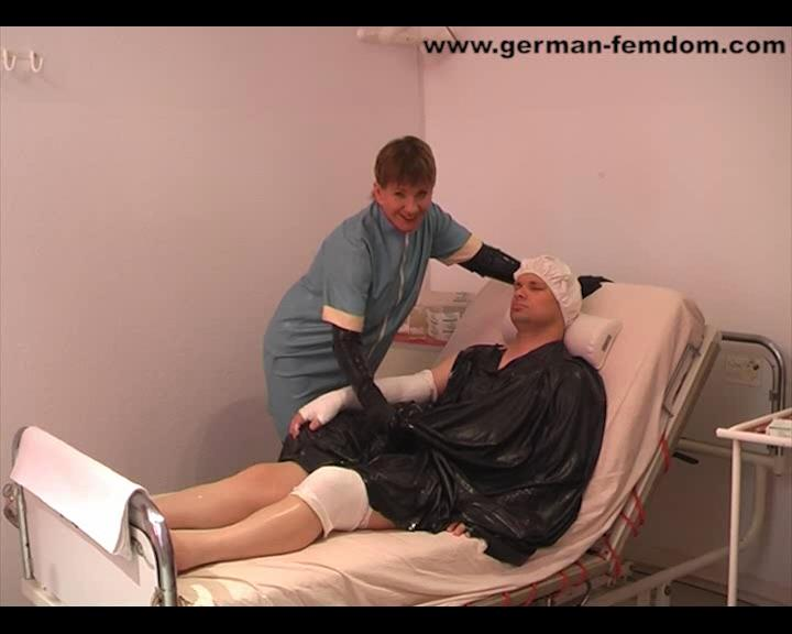 Mistress Maclaine In Scene: The plaster cast - the patient gets the right arm and his knee in plaster - GERMAN-FEMDOM - SD/576p/WMV