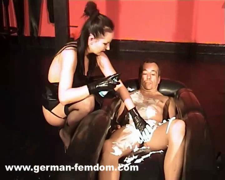Rubber Tub - GERMAN-FEMDOM - SD/576p/WMV