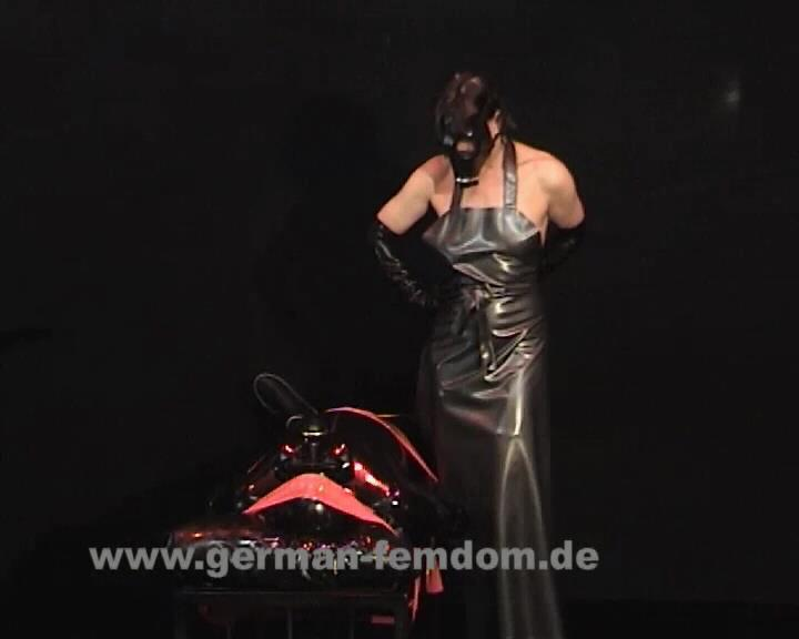 The Gas-Mask - GERMAN-FEMDOM - SD/576p/WMV