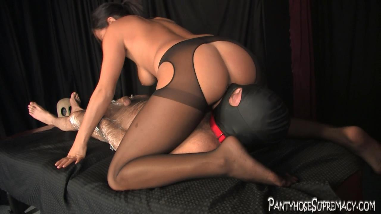 Mistress Kiss In Scene: Kiss On Top Part 4 of 5 - PANTYHOSESUPREMACY - HD/720p/MP4