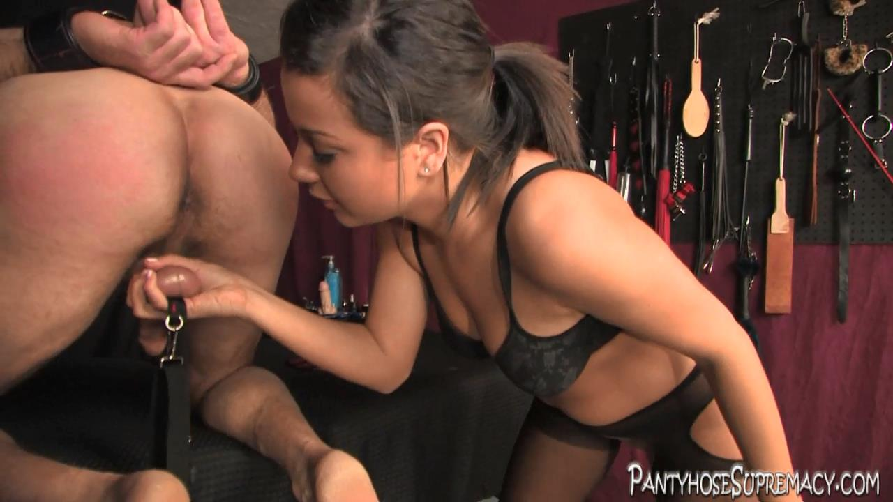 Mistress Kiss In Scene: Kiss On Top Part 3 of 5 - PANTYHOSESUPREMACY - HD/720p/MP4