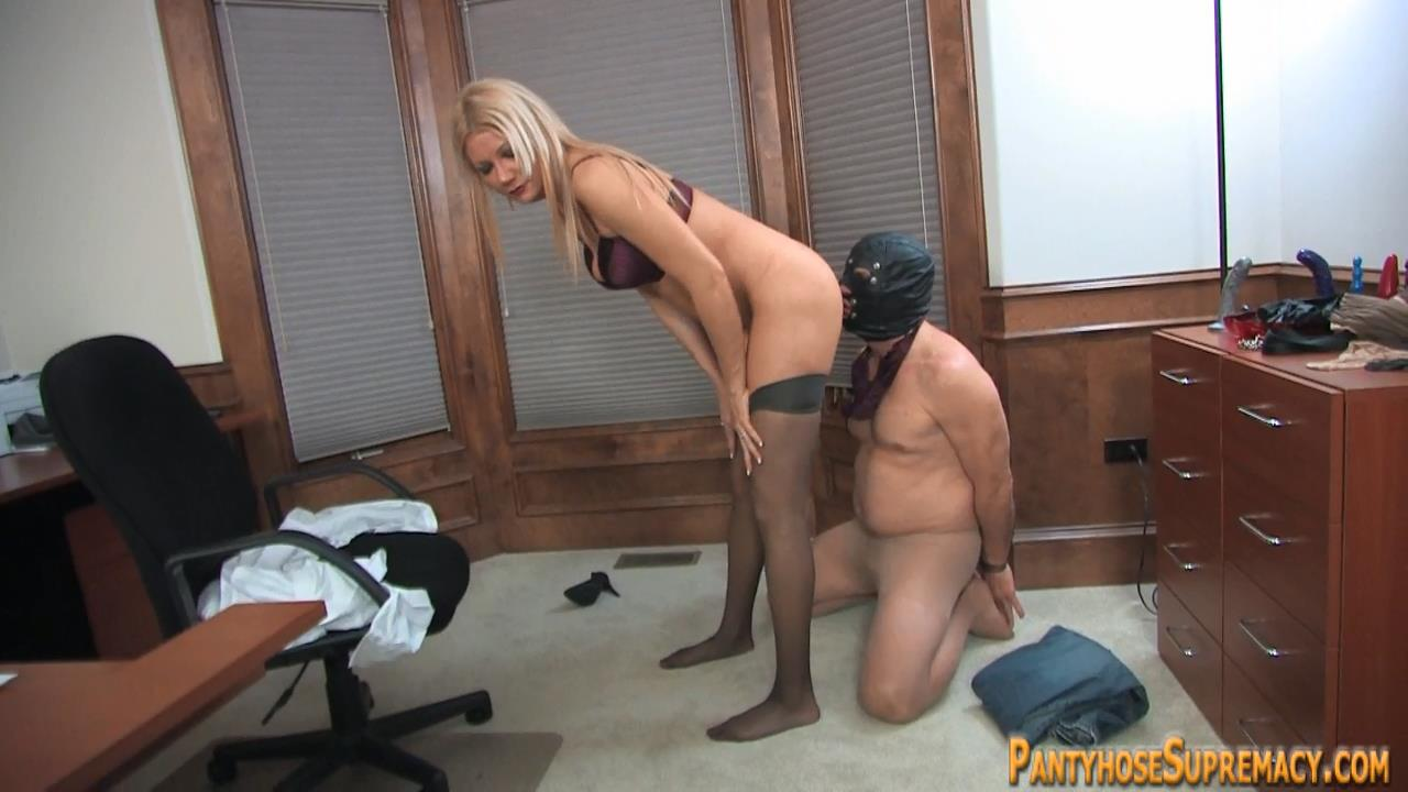 Mistress Christina In Scene: Christina in Control Part 3 of 4 - PANTYHOSESUPREMACY - HD/720p/MP4