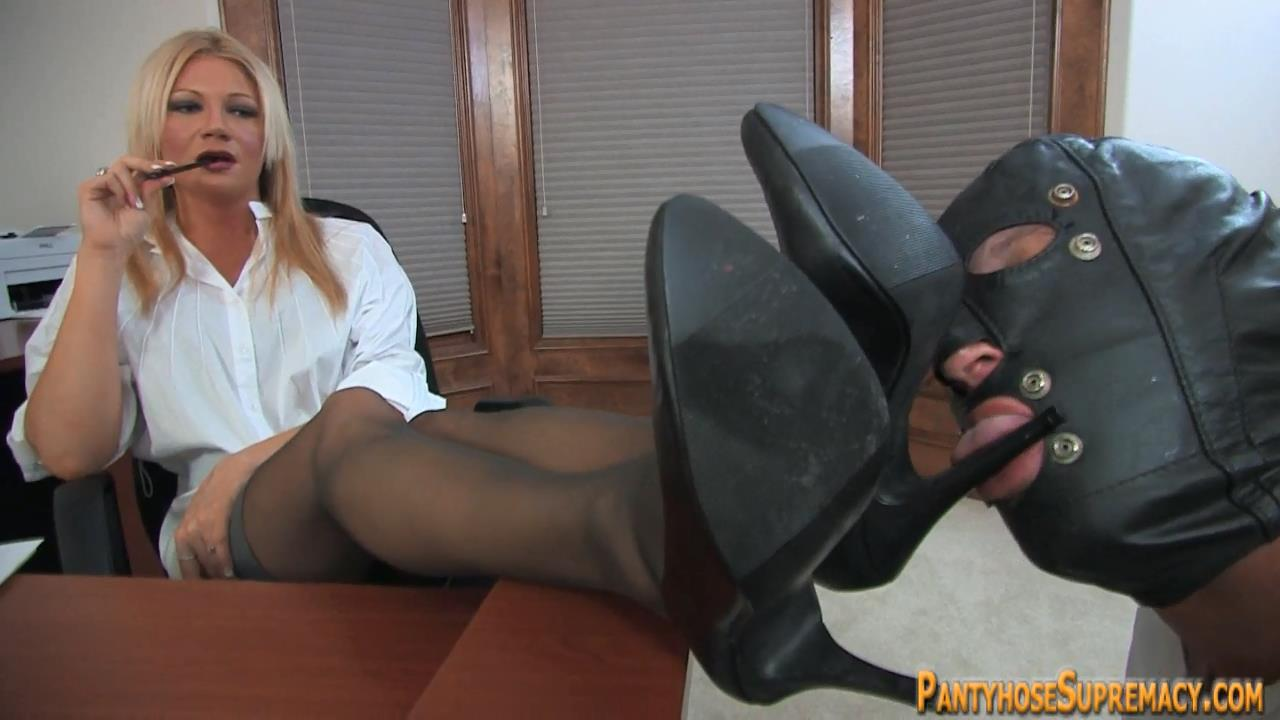 Mistress Christina In Scene: Christina in Control Part 1 of 4 - PANTYHOSESUPREMACY - HD/720p/MP4