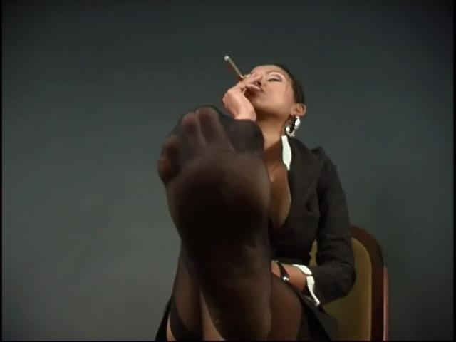 SAI TAI TIGER In Scene: SMOKING FETISH. THE BOSS BITCH - SADOBEAUTIES - SD/480p/WMV