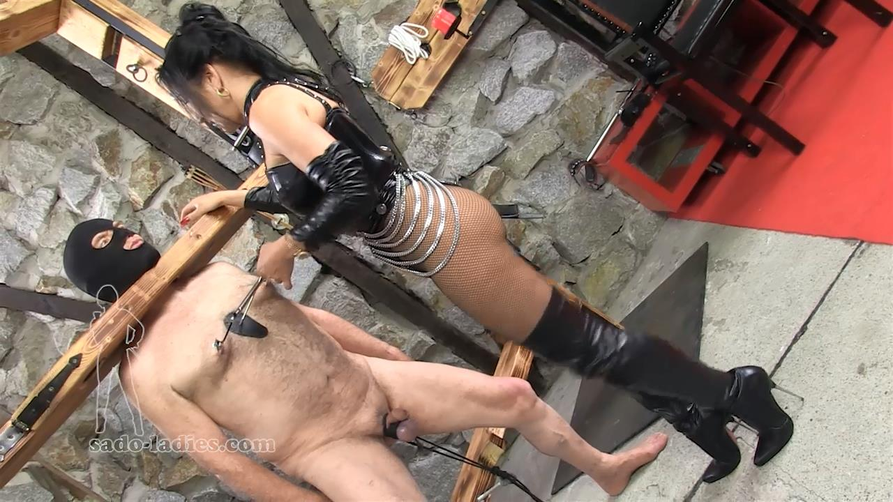 Lady Faye In Scene: 10 Minutes Of Pain - SADO-LADIES - HD/720p/MP4