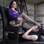 Domina Alexandra Snow In Scene: Worshipping Goddess Snow – THEENGLISHMANSION – HD/720p/MP4