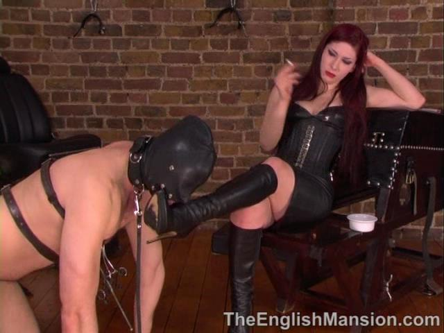 Goddess Lillith In Scene: Goddess Lillith's Boots - THEENGLISHMANSION - SD/480p/WMV