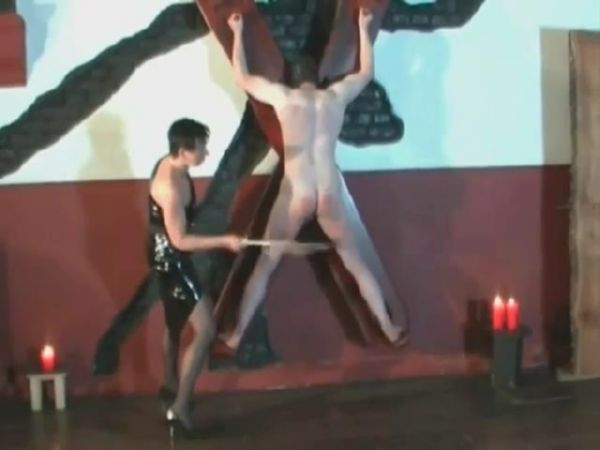 Sadistic domina delivers a thorough caning on the slave's ass and thighs - WOMENWHOPUNISH - SD/480p/MP4