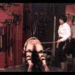 Strict Mistress ties down her slave and delivers a very hard caning – WOMENWHOPUNISH – LQ/288p/MP4