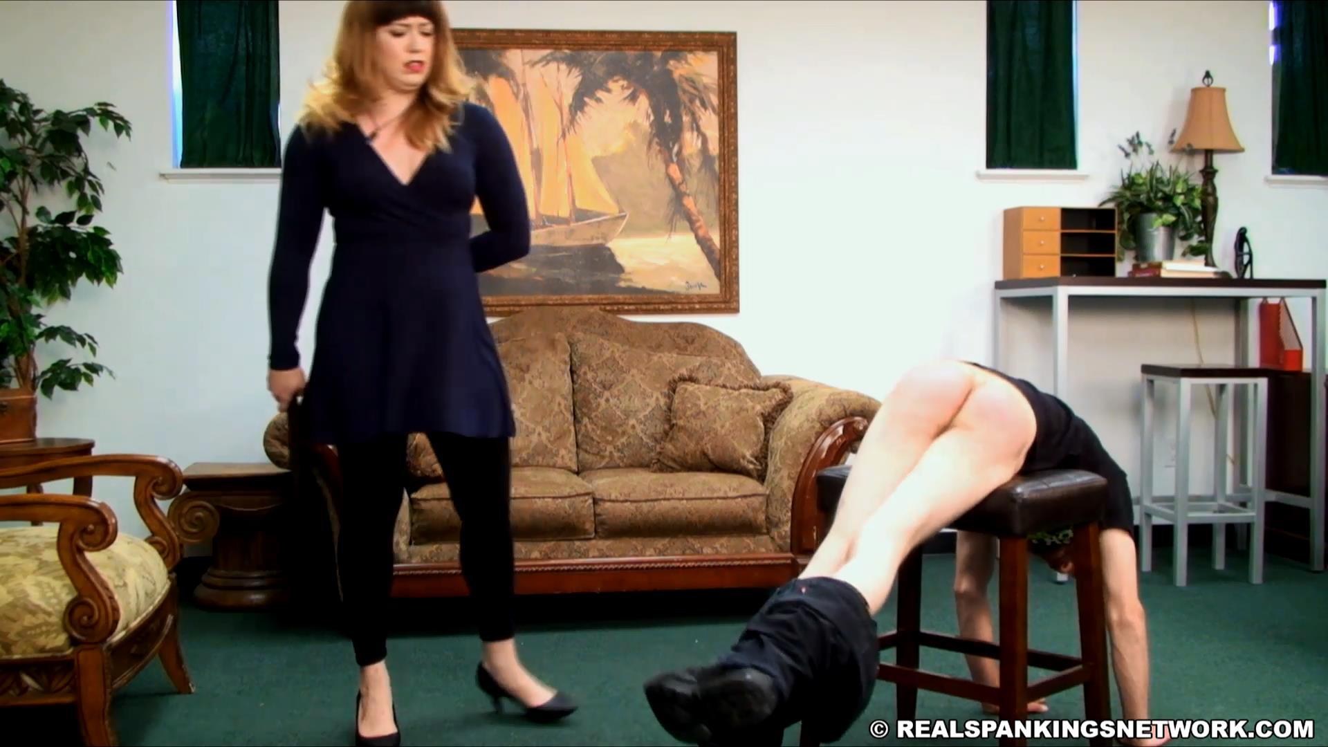 Miss Betty, Travis In Scene: Travis's Bad Day - WOMEN-SPANKING-MEN - FULL HD/1080p/MP4