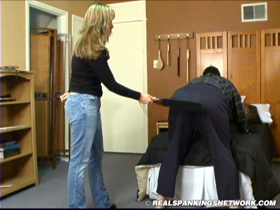 Robert, Kailee, Cindy In Scene: Robert: Spanked by Kailee & Cindy - WOMEN-SPANKING-MEN - HD/720p/MP4