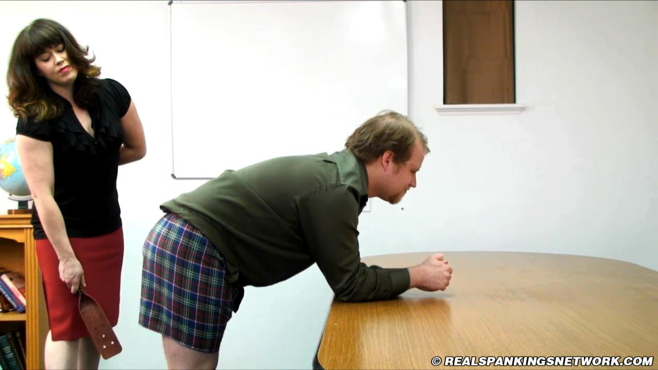 Miss Betty, Austin In Scene: Austin's Classroom Punishment - WOMEN-SPANKING-MEN - HD/720p/MP4