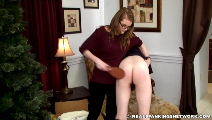Ivy, Zack In Scene: Ivy Paddles Zack for Disobeying - WOMEN-SPANKING-MEN - SD/480p/RAM