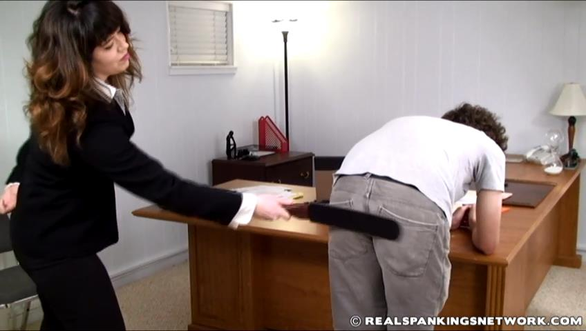 Steven, Miss Betty In Scene: Steven Punsihed by his Boss - WOMEN-SPANKING-MEN - SD/480p/RMVB