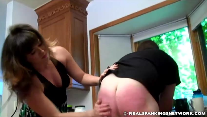 Brian, Miss Betty In Scene: Brian Punished by Betty - WOMEN-SPANKING-MEN - SD/480p/RMVB