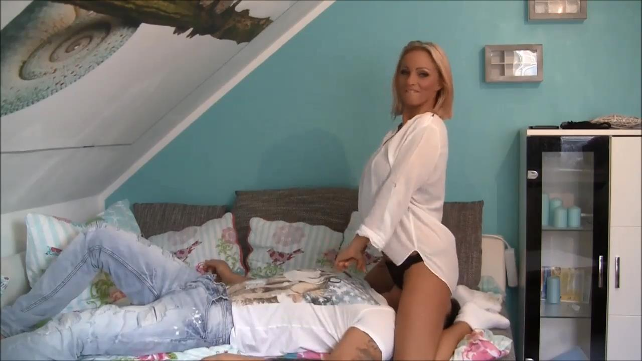 Sexy mature blonde sits on her man's face - BENEATHHER - HD/720p/MP4