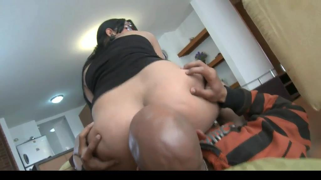 Firm Latina in glasses gets her ass worshipped - BENEATHHER - SD/576p/MP4