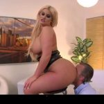 Chubby blonde has a perfect ass for smothering – BENEATHHER – SD/540p/MP4