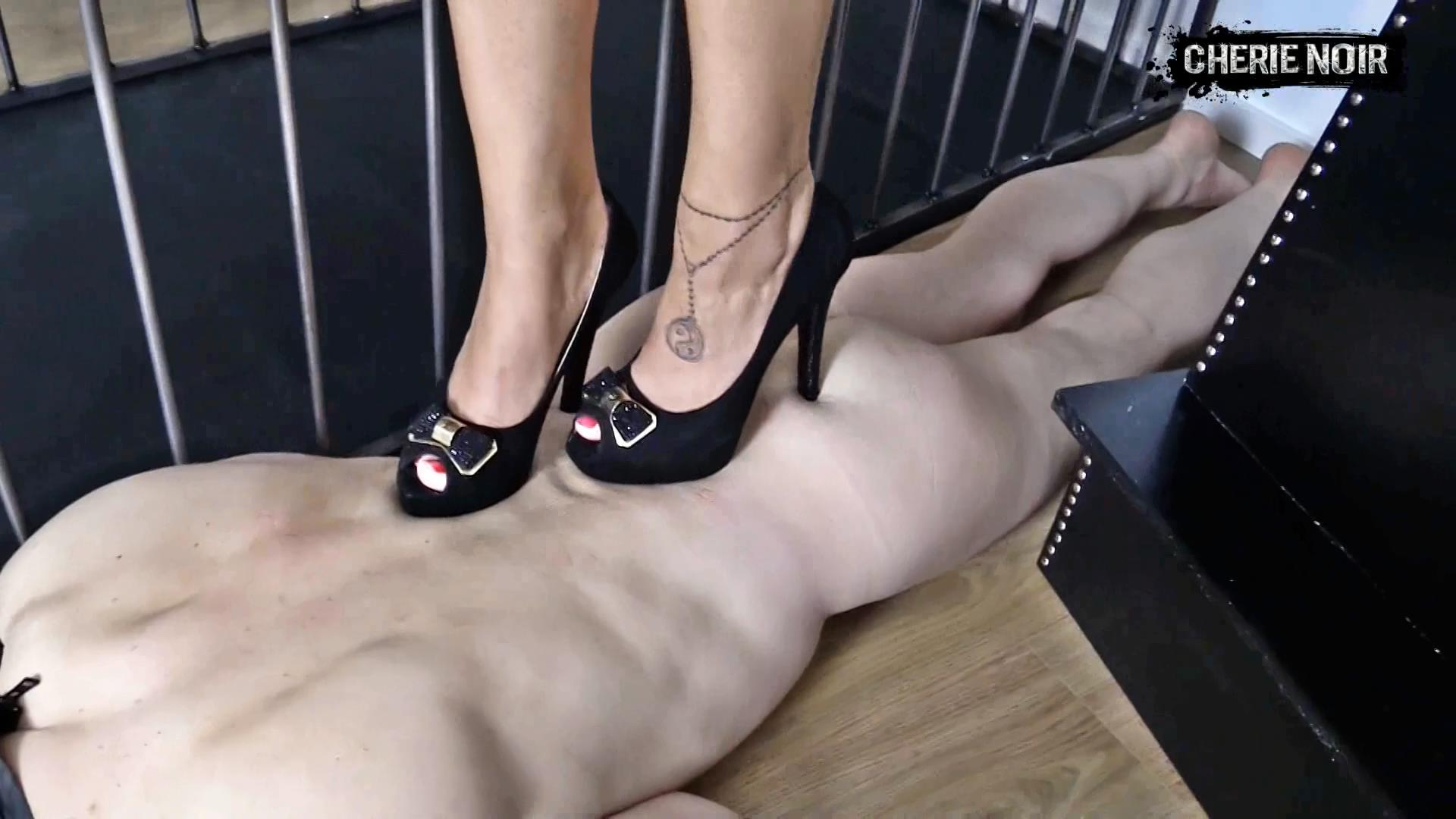 Lady Cherie Noir In Scene: LV Trampling. Luxury Shoes Of A Luxury Mistress - CHERIE-NOIR - FULL HD/1080p/MP4