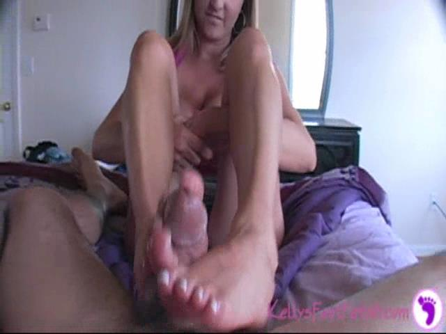 Kelly Anderson In Scene: White Toes to Match Your Jizz - KELLYSFOOTFETISH - SD/480p/WMV