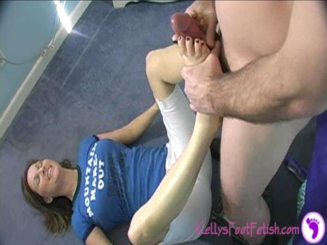 Kelly Anderson In Scene: Quickie Foot Fuck - KELLYSFOOTFETISH - SD/480p/WMV