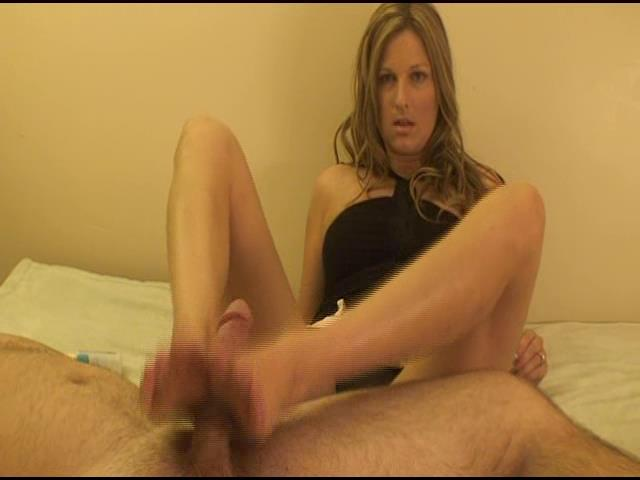 Kelly Anderson In Scene: Foot Love - KELLYSFOOTFETISH - SD/480p/WMV