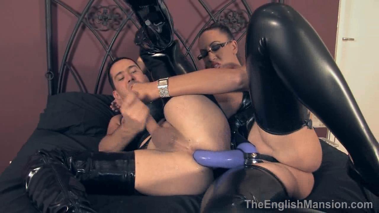 Mistress Pandora In Scene: Kinky Pegging - THEENGLISHMANSION - HD/720p/WMV