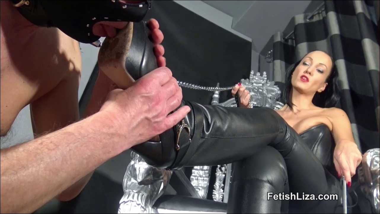 Fetish Liza In Scene: Sensual leather bootlicker - FETISHLIZA - HD/720p/MP4