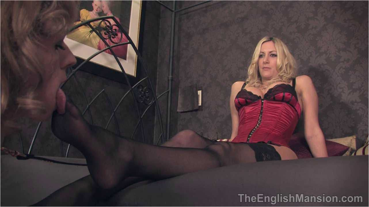Mistress Nikki In Scene: Dildo Shoe Worship - THEENGLISHMANSION - HD/720p/WMV