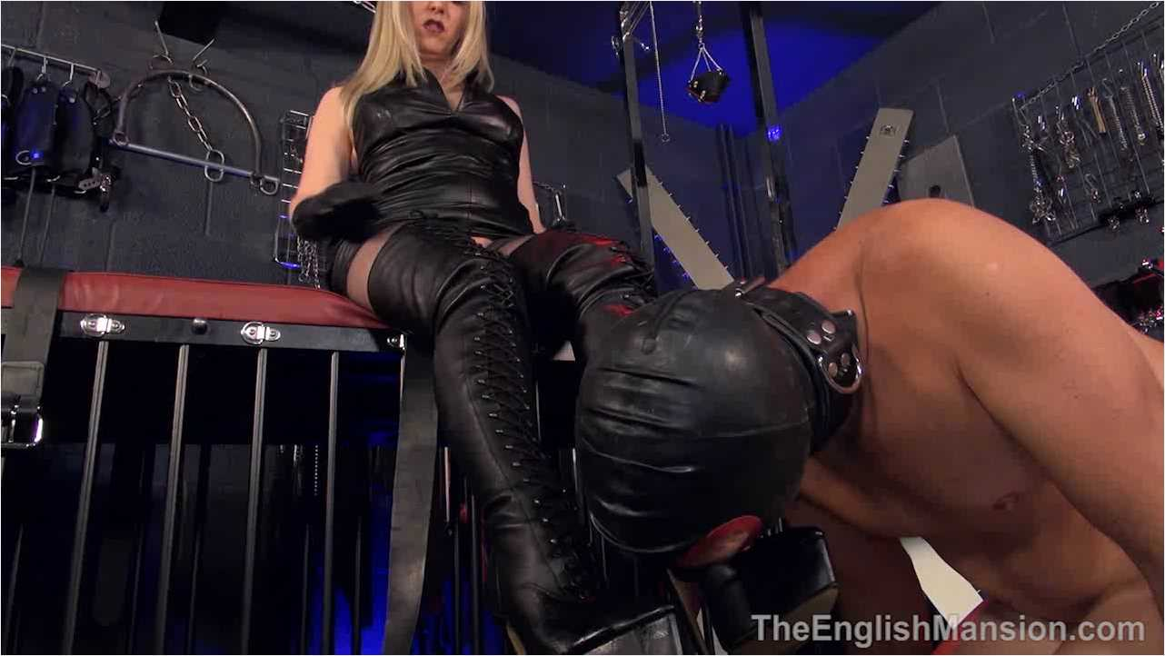 Mistress Sidonia In Scene: Leather Indoctrination - THEENGLISHMANSION - HD/720p/WMV