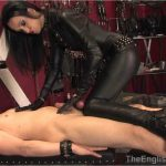 Fetish Liza In Scene: Liza's Leather Handjob – THEENGLISHMANSION – HD/720p/WMV