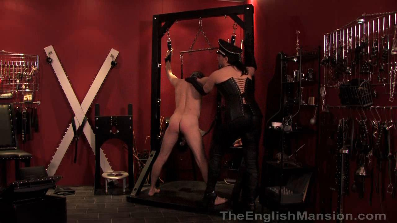Mistress Xena In Scene: Leather Reward - THEENGLISHMANSION - HD/720p/WMV
