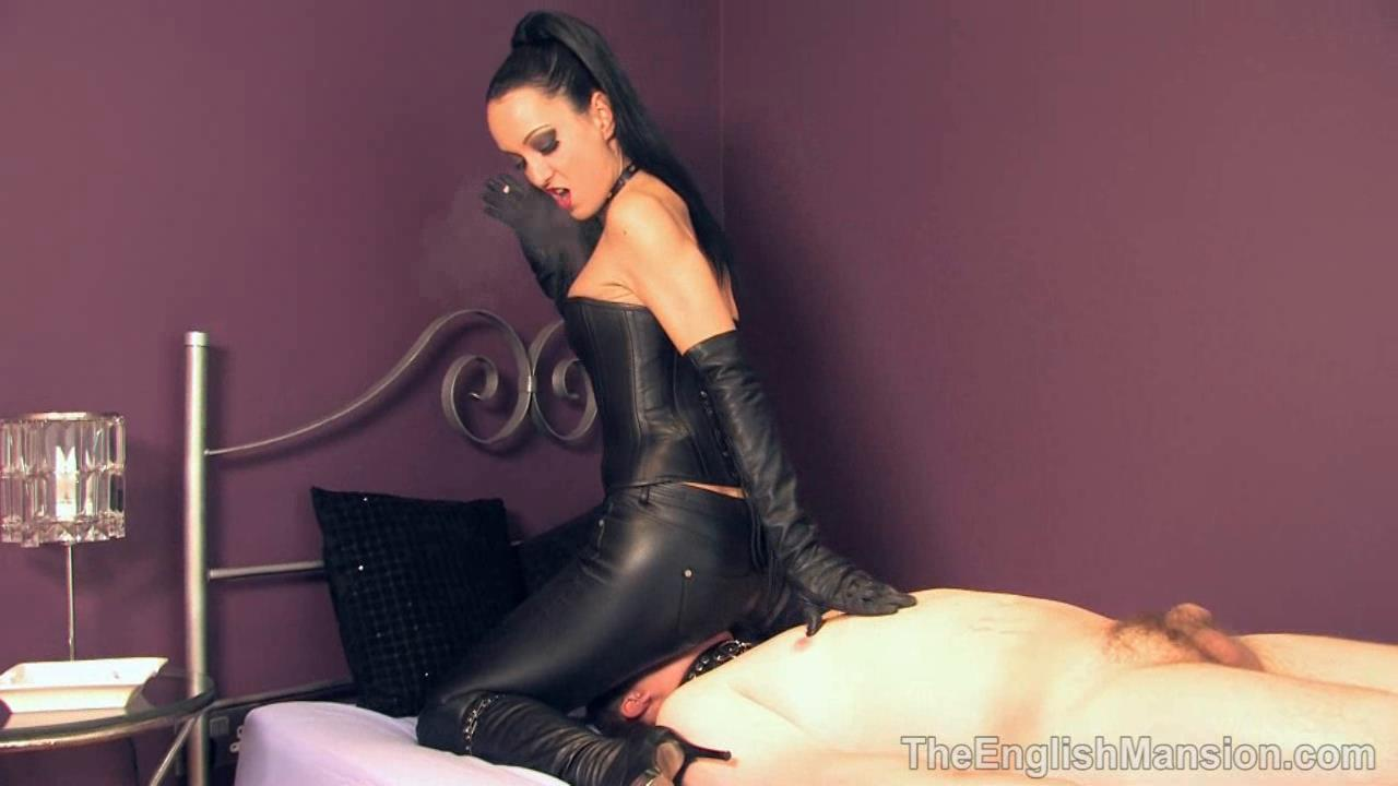 Fetish Liza In Scene: Smoking Leather Bitch - THEENGLISHMANSION - HD/720p/WMV