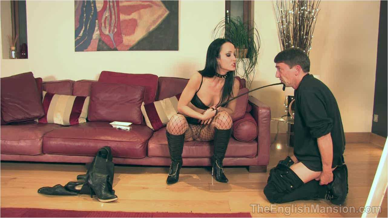 Fetish Liza In Scene: Peeping at her Boots - THEENGLISHMANSION - HD/720p/WMV