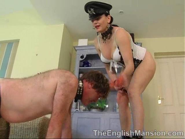 Mistress Xena In Scene: Xena's Slave Dog - THEENGLISHMANSION - SD/480p/WMV