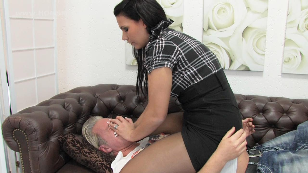 Emely In Scene: I take your breath away - HOMSMOTHER - HD/720p/WMV