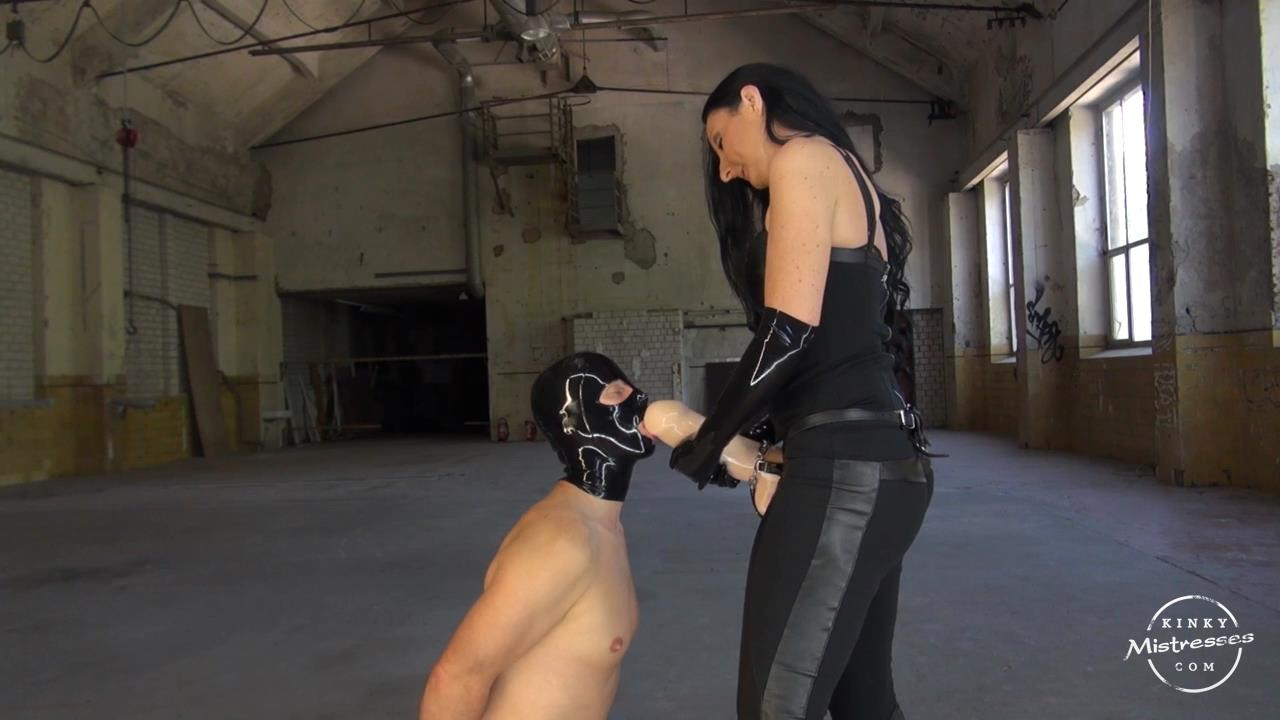 Lady Luciana In Scene: Worship Luciana's Huge Strapon - KINKYMISTRESSES - HD/720p/MP4