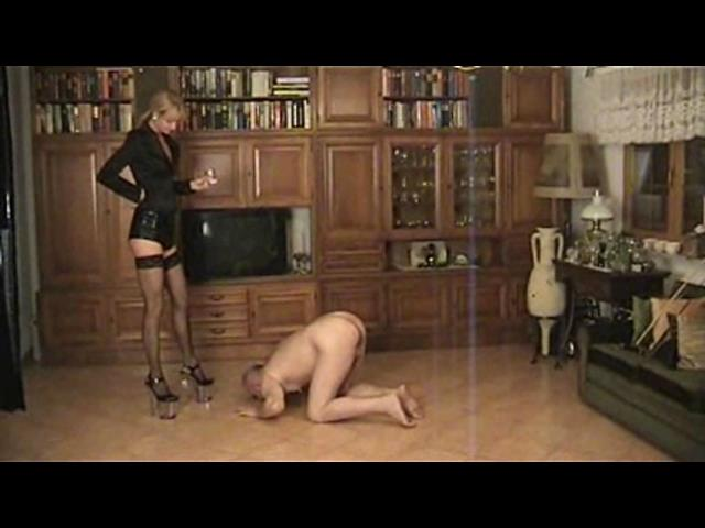 Empress Victoria In Scene: Spitting - PLANETFEMDOM - SD/480p/WMV