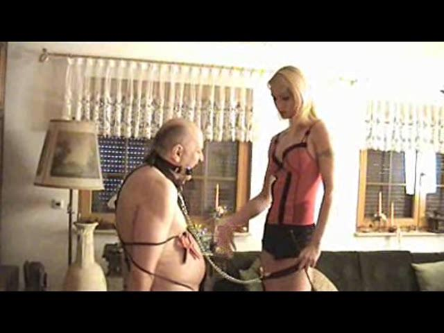 Empress Victoria In Scene: Whip - PLANETFEMDOM - SD/480p/WMV