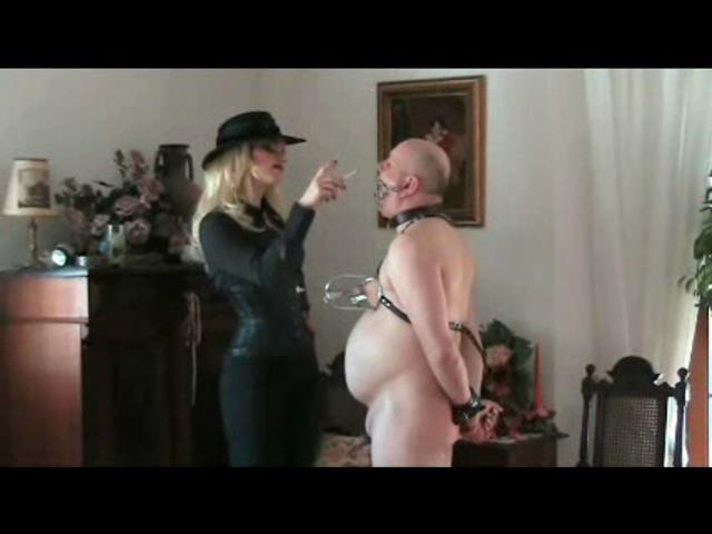 The Bitchtress In Scene: Smoke - PLANETFEMDOM - SD/480p/WMV