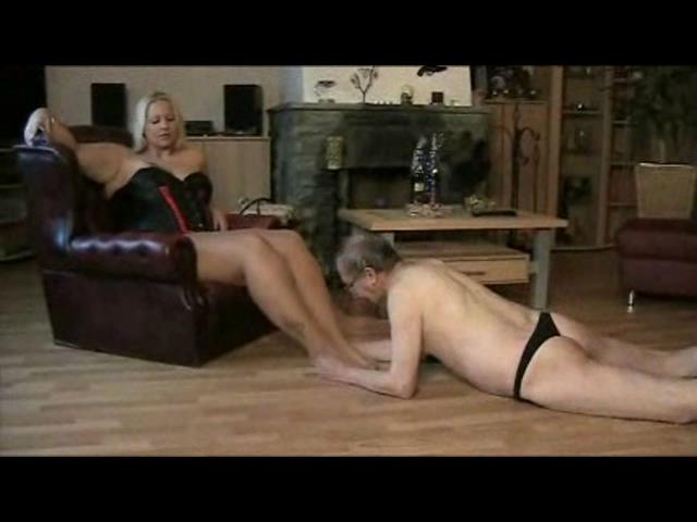 The Governess In Scene: Feet Slave - PLANETFEMDOM - SD/480p/WMV